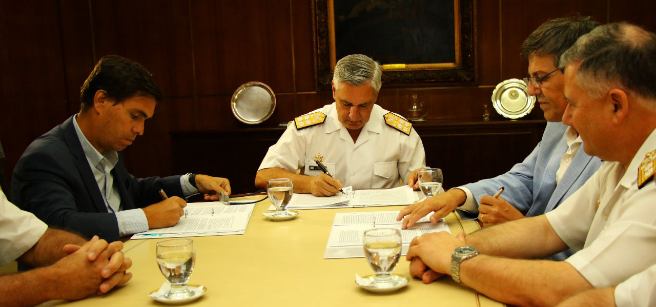Resultado de imagen para Firman convenio con la Armada para el desguace de buques inactivos